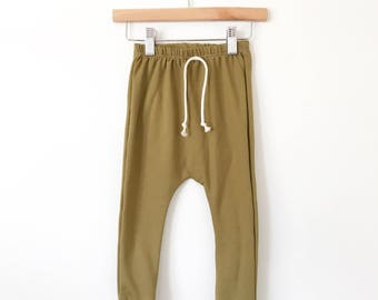 Baby joggers // Organic leggings in olive // girls pants // boys pants // drop crotch pants // toddler leggings // baby clothes