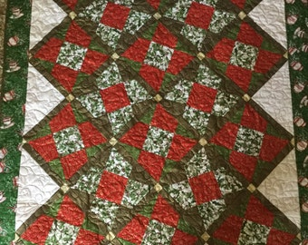 Free Shipping, Hot Chocolate and Holly Holiday Quilt