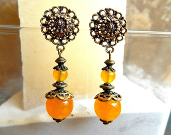 Ethnic earrings ear jade and antique bronze Indian charm
