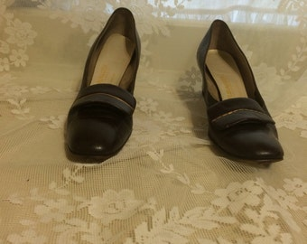 Cute Brown  1960's Shoes