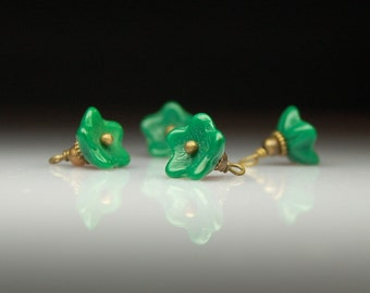 Vintage Style Bead Dangles Green Glass Flowers Set of Four G491