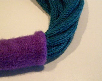Peacock green and purple wool necklace