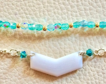 Thin bracelet, minimalist beaded