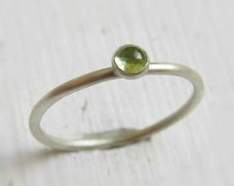 Peridot Stacking Ring in Sterling Silver / Green Stone Ring / Dainty Peridot Ring
