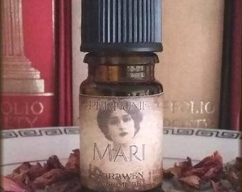 MARI Victorian Perfume Oil / Victorian Edwardian inspired fragrance / Black Tea Jasmine scent / Vegan handblended perfume oil