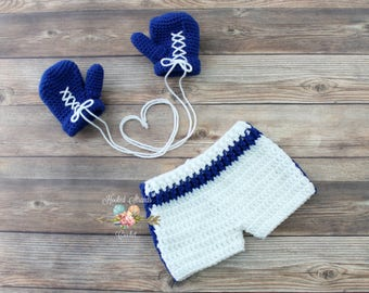 Crochet boxer set, Baby boy outfit, Newborn photo prop, Baby gift, Boxing outfit, Boxing gloves, Infant costume, Baby shower, 0 - 6 months