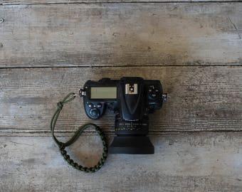 Paracord Camera Wrist Strap (olive green)