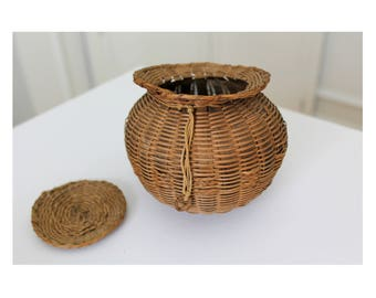 Miniature Native American Round Woven Basket with Lid from Maine