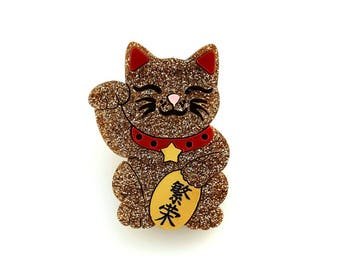 Maneki neko cat brooch - prosperity