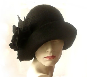 Black felt hat felt Cloche hat felted hat Hat 1920 Hat Art  Black Hat Cloche Victorian 1920's Women's hat roses Downton Abbey hats