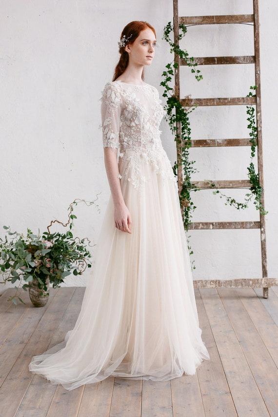 3/4 lange Ärmel Brautkleid 3D floraler Spitze Kleid