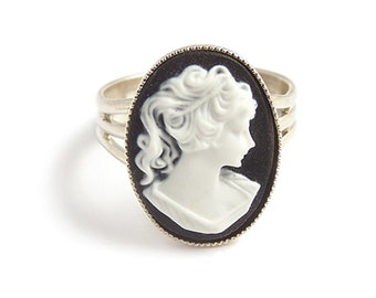 Victorian cameo ring Classic Black and white Cameo - gothic goth steampunk elegance