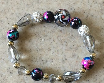 Colorful stretchy bead bracelet