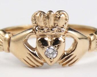 Modern 10k Gold Diamond Irish Claddagh Ring sz 7