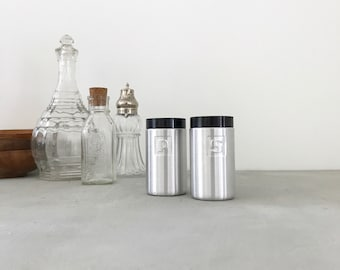 Chrome salt and pepper shakers vintage aluminum retro hipster farmhouse kitchen decor