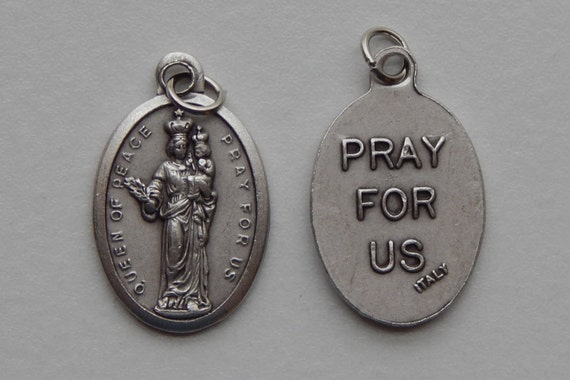 5 Patron Saint Medal Findings - Queen of Peace, Die Cast Silverplate, Silver Color, Oxidized Metal, Made in Italy, Charm, Drop