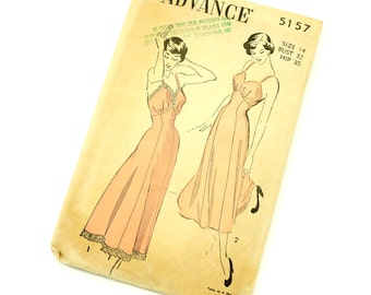 Vintage 1940s Womens Size 14 Full or Tea Length Slip Advance Sewing Pattern 5157 Complete / bust 32 waist 26.5