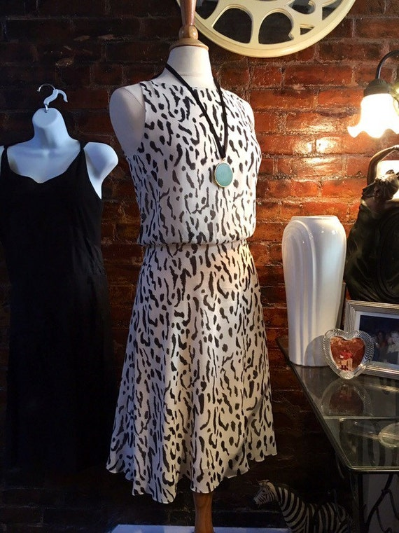 Vintage 90's Jack MulQueen 100% Silk Ivory Leopard Cheetah Sleeveless dress size S/M