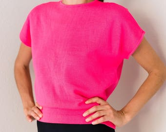 Perfect Vintage 50s Hot Pink 100% Wool Boxy High Neck Short Sleeve Blouse Top Shirt Small S Modeled On Extra Small XS