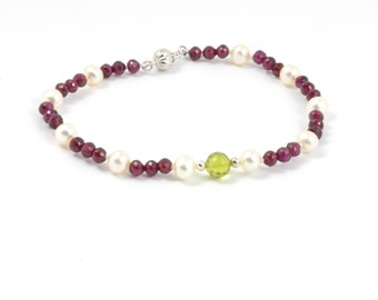 Sterling silver or 9Ky gold solid FW Pearls, Natural garnet and peridot 9ct yellow gold bracelet, Christmast jewellery