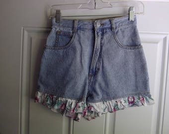 Blue 5-Pocket Denim Jean Shorts with Ruffles by California Concepts, Size 5, Vintage