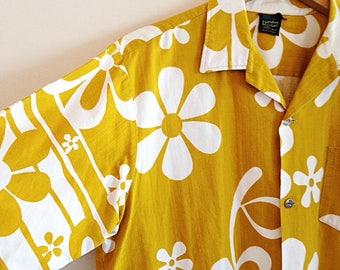 Vintage Yellow and White Mens Hawaiian Shirt by Hawaiian Holiday Tiki Size Large