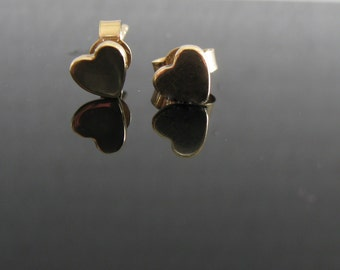 14k gold heart earrings, heart stud earrings in gold, dainty gold earrings, heart studs, love earrings, gift for her, handmade jewelry