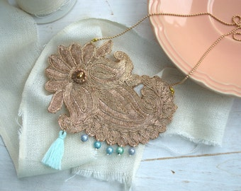 Rose Golden statement necklace with mint pearls