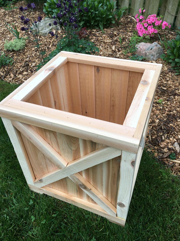 Cedar planter boxplanterwood plantercedar boxoutdoor wood zoom workwithnaturefo