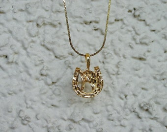 """Horse Head in Shoe  Equestrian Jewelry Pendant & 18"""" Chain Necklace 14K Gold Plated Great Detail"""