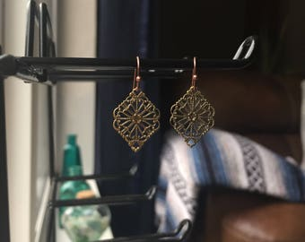 Dainty Filligree Earrings ~ Free Shipping