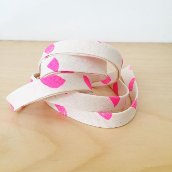 "Bias Tape in Cotton + Steel Print Shop Neon Pink Half Moons cotton 1/2"" double-fold binding- 3 yard roll"