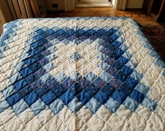 Vintage Hand Stitched Quilt Lap Quilt Wall Hanging Blue White