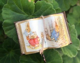 Peter Rabbit Open Book 4 - Dollhouse Miniatures