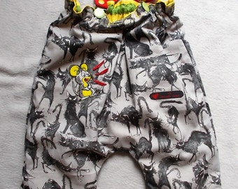 """Made in France. """"SCARED"""". """"Top"""" pants / straps 