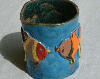 """Fish trio"" pot earthenware Hawaii blue enamel background and multicoloured fish"