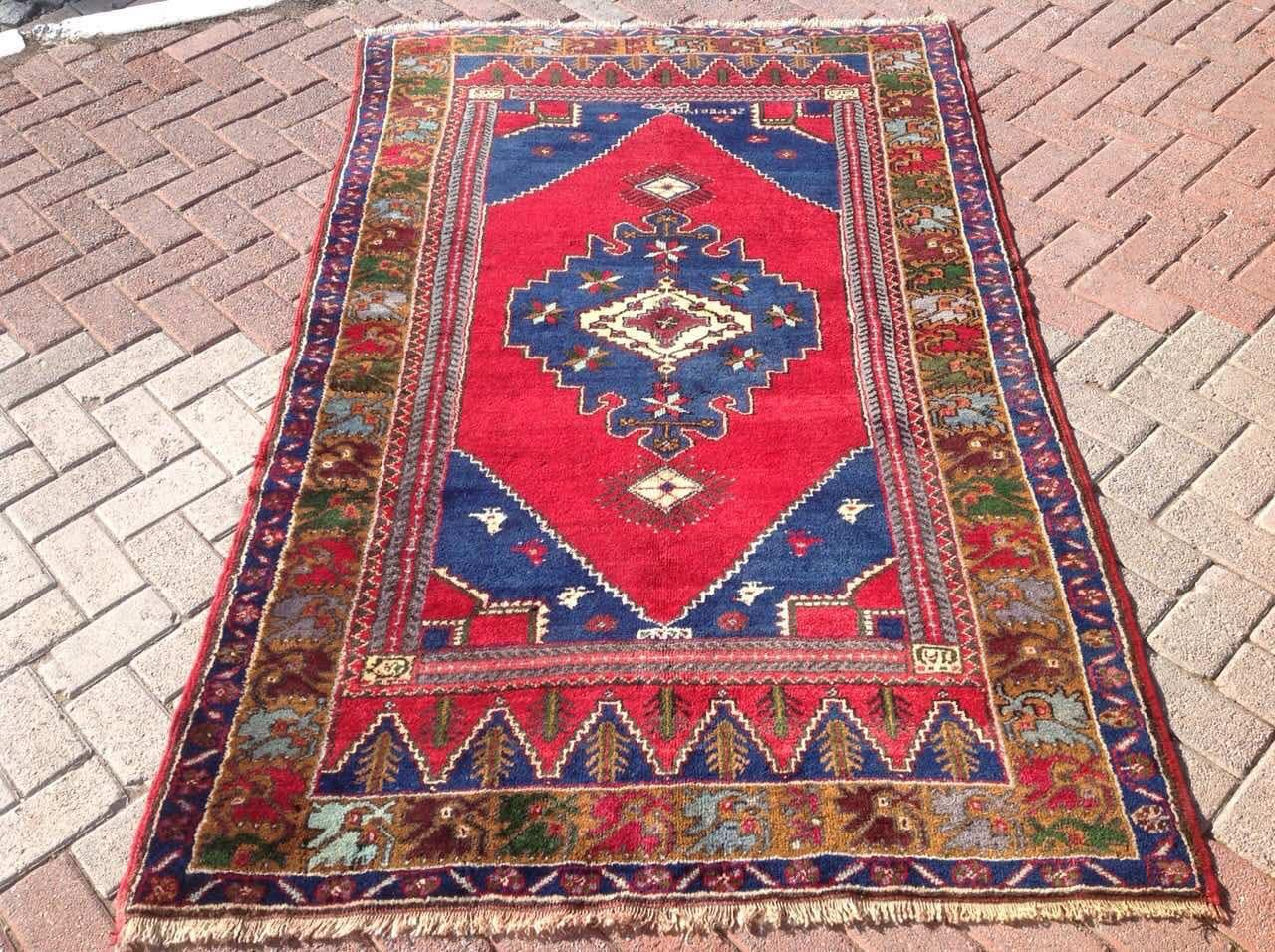 dsc design rugs authentic rug woven rare santa sold barbara carpet a antique genuine center yuruk art of prayer turkish piece