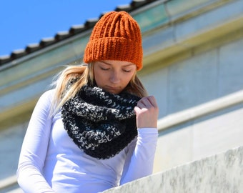 Adult Crochet Hat. Slouchy hat. Fur Pom Pom Hat. Slouchy Beanie. Crochet Hat. Winter hat. Chunky hat. Handmade. Fold over brim.