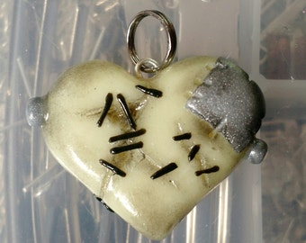 Frankensteins Monster Heart Charm