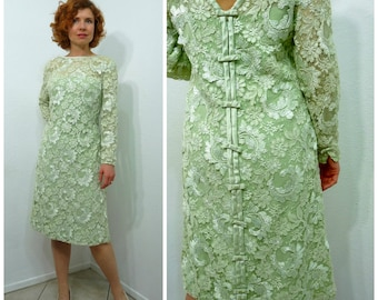 Vintage 1960s lace dress lime Bow V-back Shift dress Long Sleeve Formal Party Small