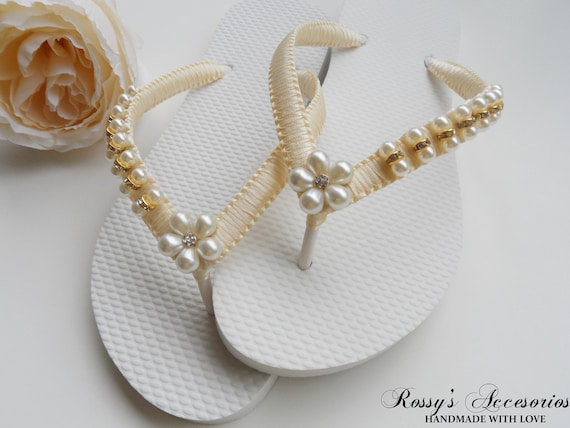 Pearls Bride Gift Rhinestone Party Ivory Flip Bridal gift Wedding Ivory Shower Flops Sandals Flower Bridesmaid Beach Bridal Pearl 0WxCqxawIF