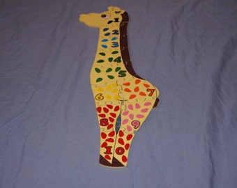 Vintage 1970's - Wooden Giraffe counting puzzle with 10 pieces