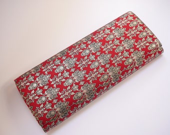 Vintage Japanese clutchbag in shiny red and silver/clutchbag in silk/Japanese kimono bag/Kimono bag/clutchbag/Party Bag