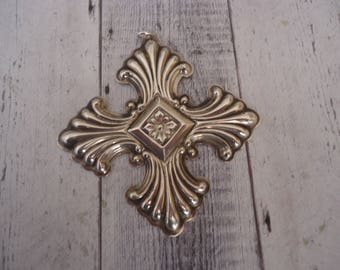 Vintage Reed and Barton 1973 925 Sterling Silver Christmas Cross Pendant or Ornament
