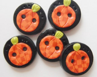 Button Checkered Pumpkins handmade polymer clay buttons ( 5 )