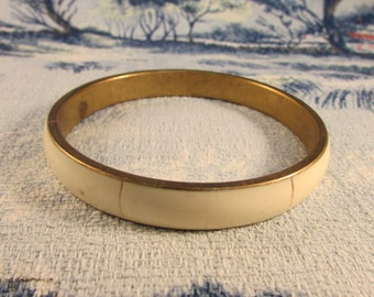 Vintage gold-tone inlaid bone bangle