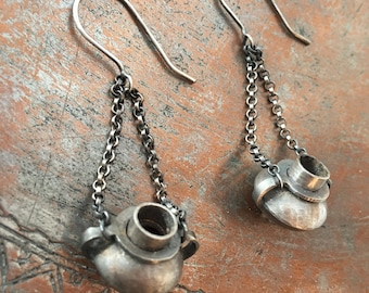 Herodotean Collection | Ancient Greek Amphorae Earrings | Aguja y Clavo Jewelry