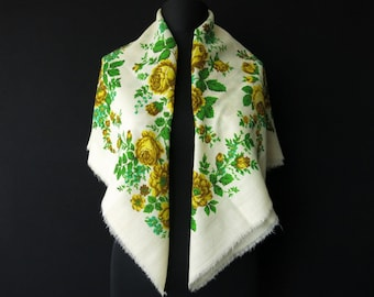 Turkmen chargat - scarf with traditional designs