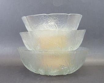 Vintage Clear Pressed Glass Wheat Pattern Nesting Bowls, Set of 3 (E2476)