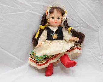 Vintage Dolls of All Nations, Poland